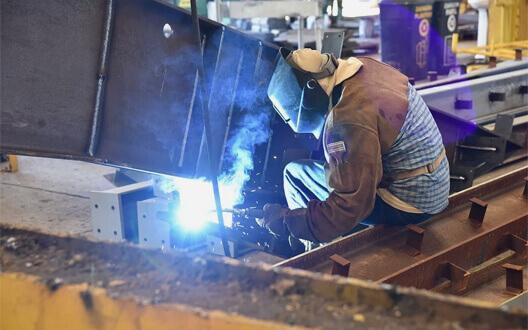 Tuyển dụng công nhân sắt hàn lương thưởng hấp dẫn