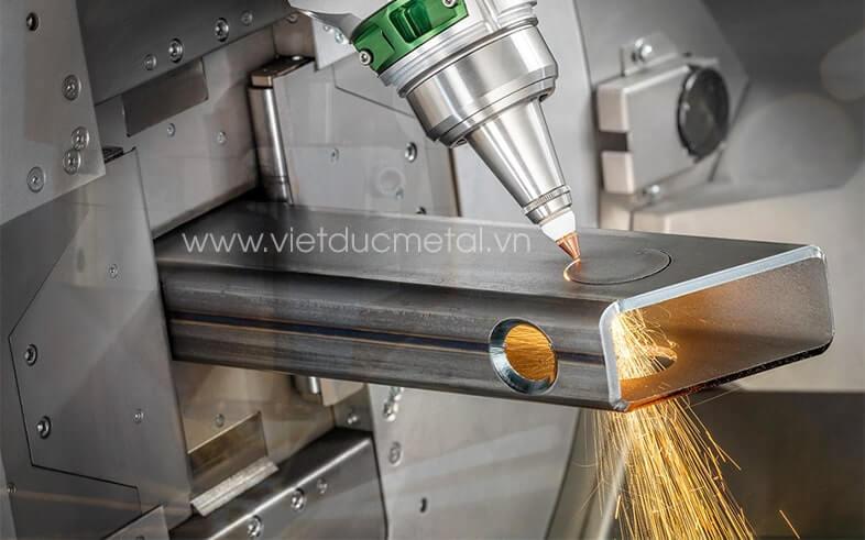 Cắt laser ống hộp kim loại là gì