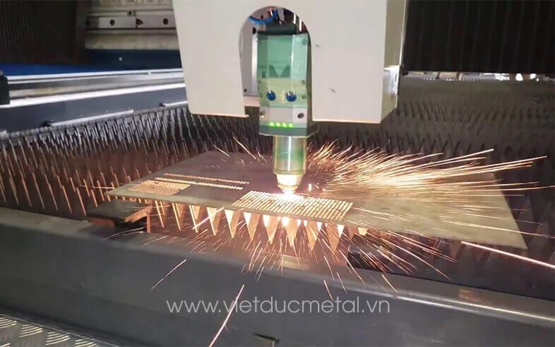 Cắt CNC: Inox, sắt, thép, nhôm, đồng
