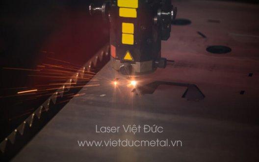 Gia công cắt laser CNC những ứng dụng hữu ích trong ngành cơ khí