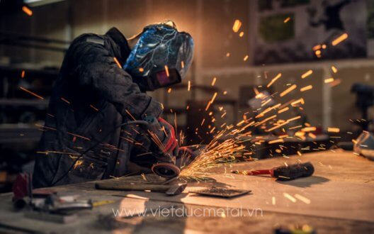 Gia công kim loại tấm là gì? Ưu điểm của gia công kim loại tấm