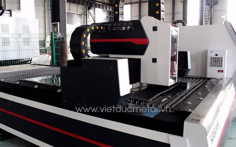 Tìm hiểu về nguyên lý hoạt động và ứng dụng của máy cắt laser CNC