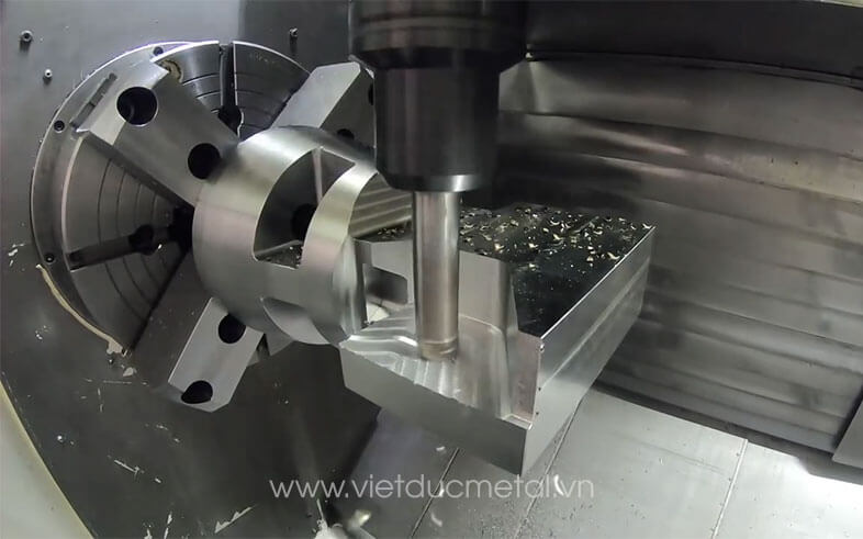 giá máy tiện CNC