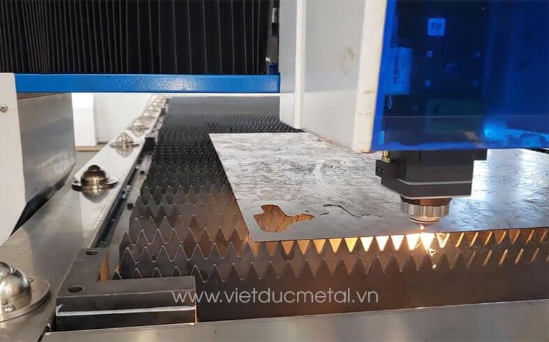 máy cắt cnc laser