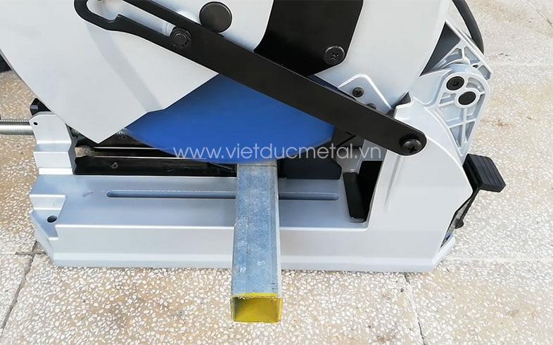máy cắt inox lưỡi hợp kim