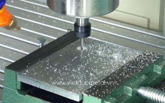 Máy phay CNC là gì? Những ưu điểm nổi bật của máy phay
