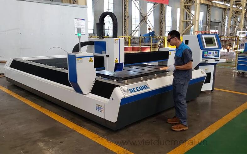 Các loại máy cắt laser kim loại