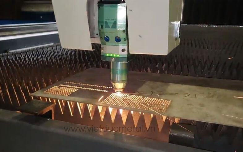 Cắt laser đồng tấm