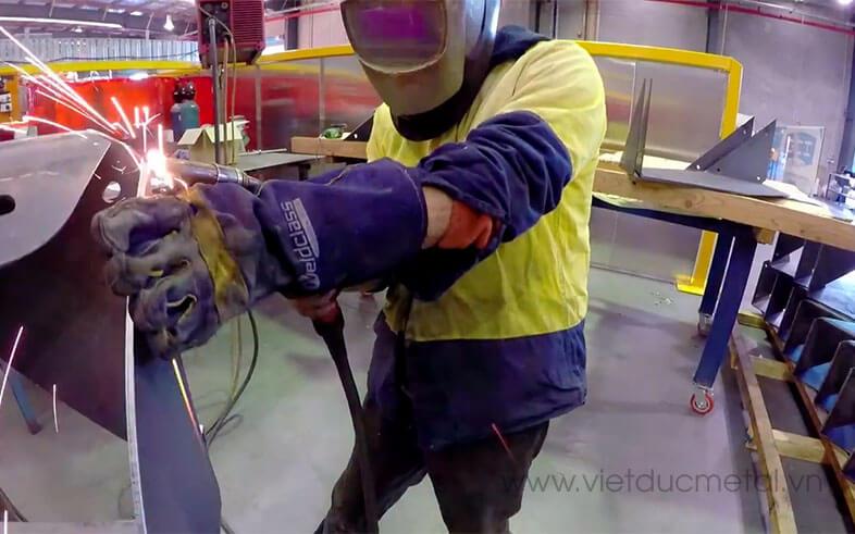 Hình thức gia công chế tạo máy truyền thống