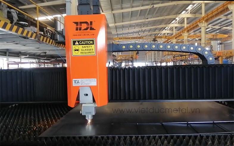 Gia công chế tạo máy hiện đại