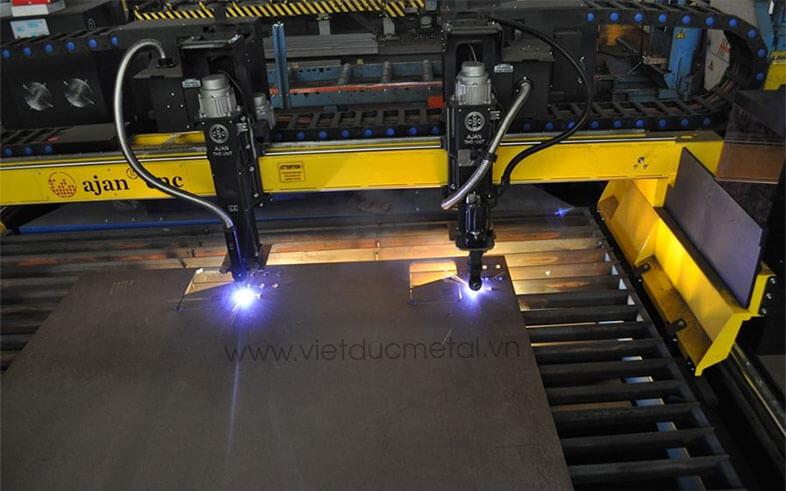 máy cắt sắt cnc plasma