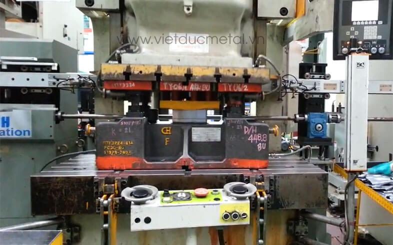 Máy đột dập CNC với những ưu điểm nổi bật trong gia công cơ khí