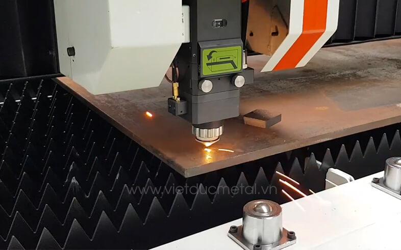 So sánh ưu nhược điểm của máy cắt laser và máy cắt plasma