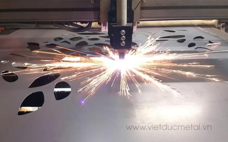 Cổng sắt hoa văn CNC