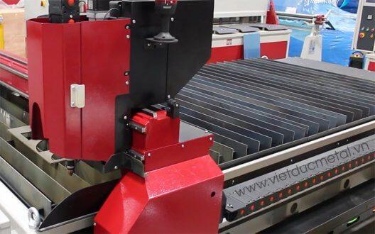 Máy cắt CNC plasma hiện đại và lưu ý khi sử dụng trong gia công cơ khí